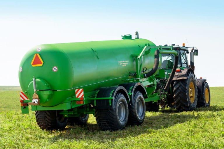 "Machine for applying liquid organic fertilizers ""MVZHU-20"""