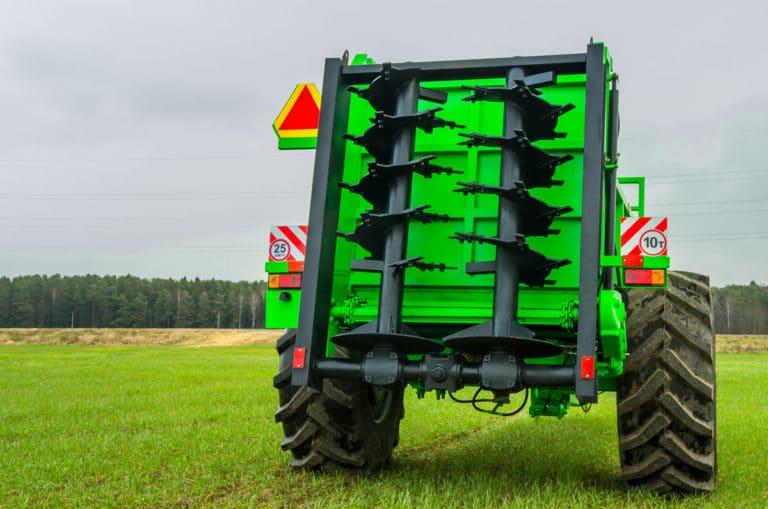 Solid organic fertilizer applicator MTU-10