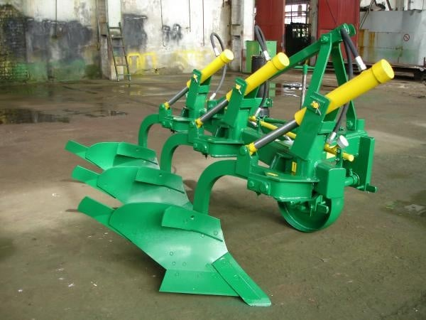 """Three-body hinged plow """"PGP 3-35-3"""""""