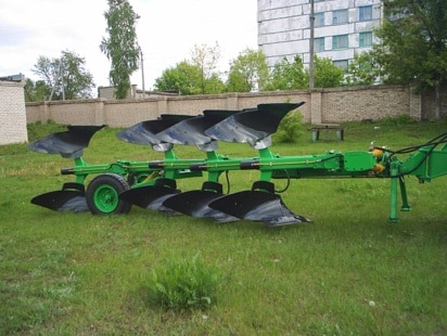"Reversible plow ""POPG 4-40 / POPR-4-40"""