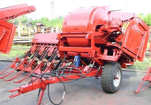 "Flax harvester ""Dvina-4M"""