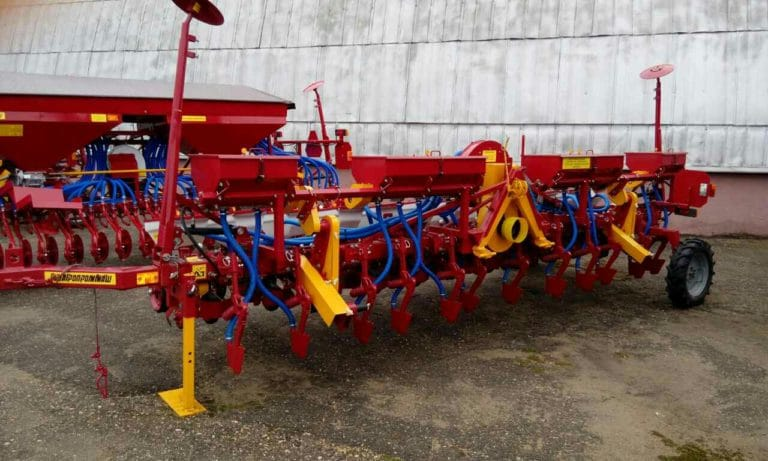 Seeder STV8KU (8 sowing sections, equipment for fertilizing) tractor class 1.4